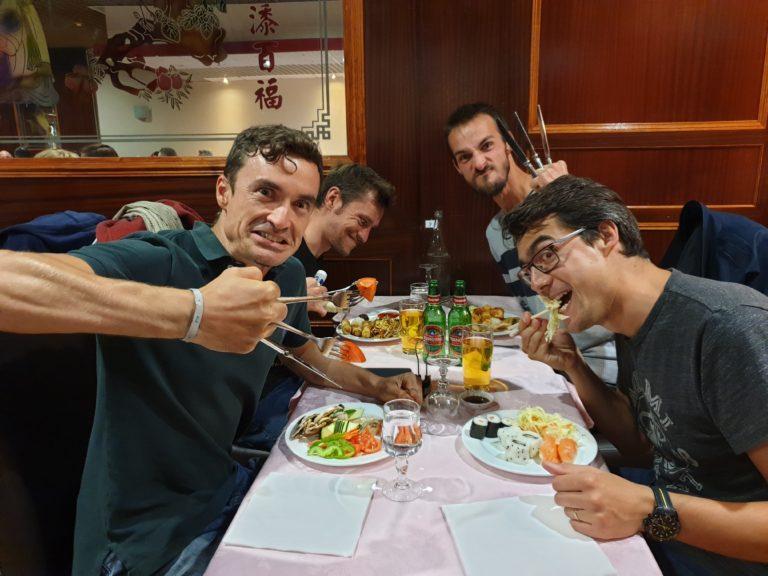On mange chez toi ou chinois ?